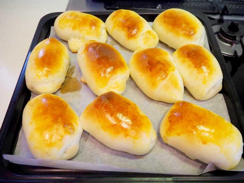 手作りバターロール